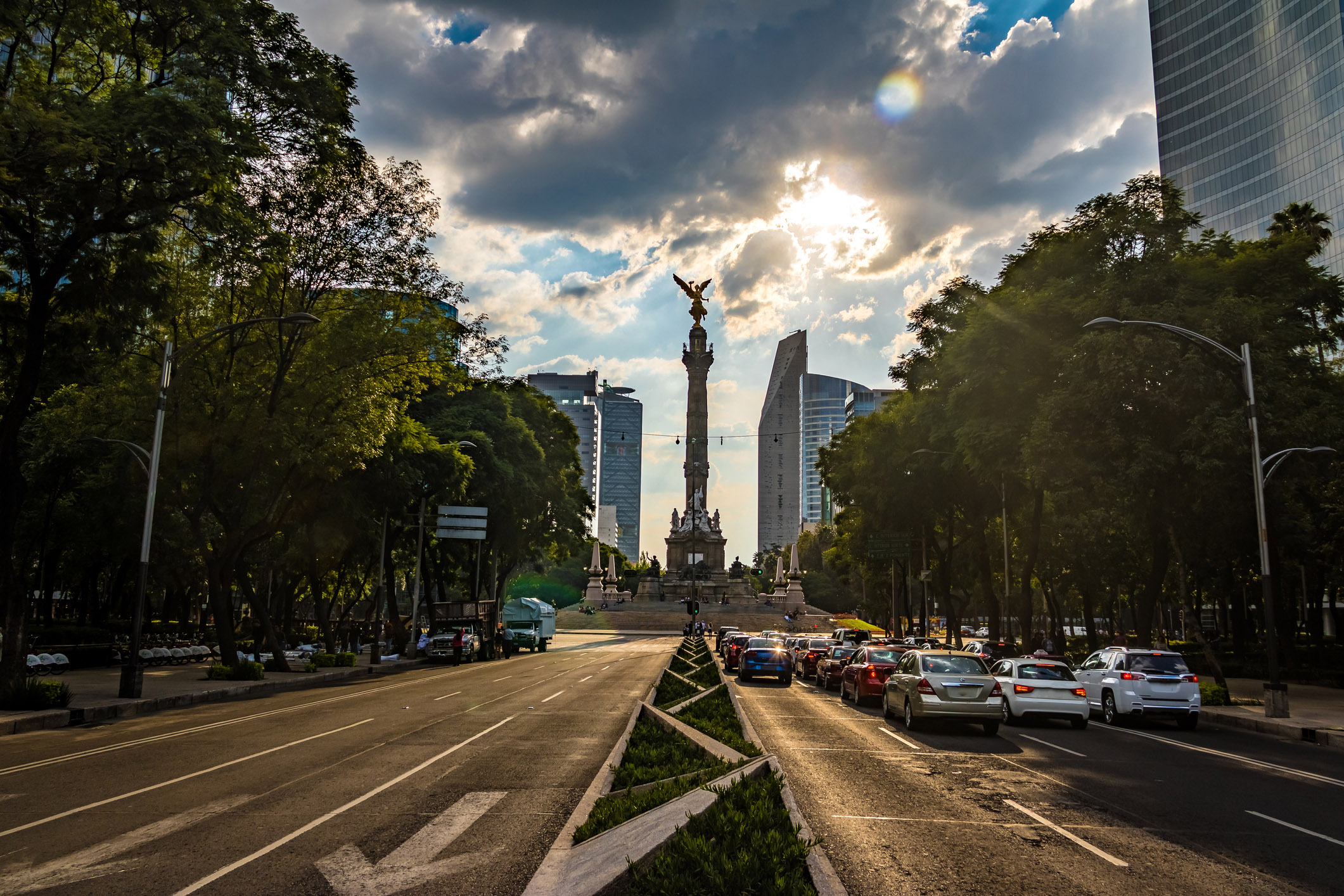 mexico-city-traffic-driving